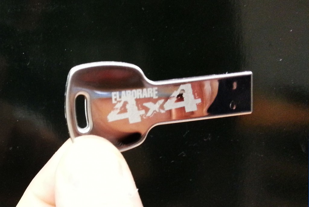 chiavetta usb 8 gb a forma di chiave in acciaio